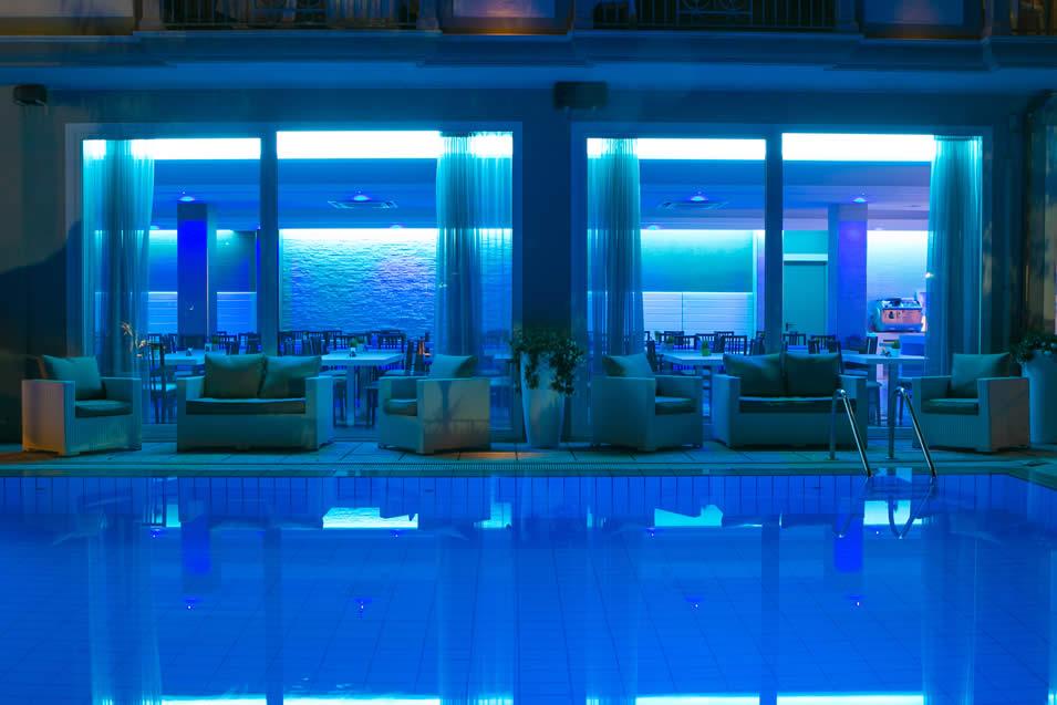 Hotel con piscina a riccione goditi il relax nell albergo con idromassaggio a riccione - Liberty piscina cagliari ...